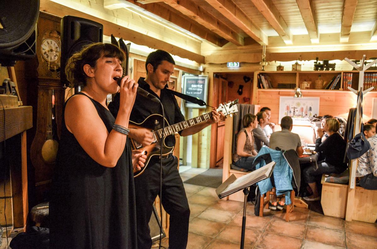 Travelin' Light Jazz Duo,chanteuse de jazz lounge, musique d'ambiance mariage, soirée privée et diner de gala
