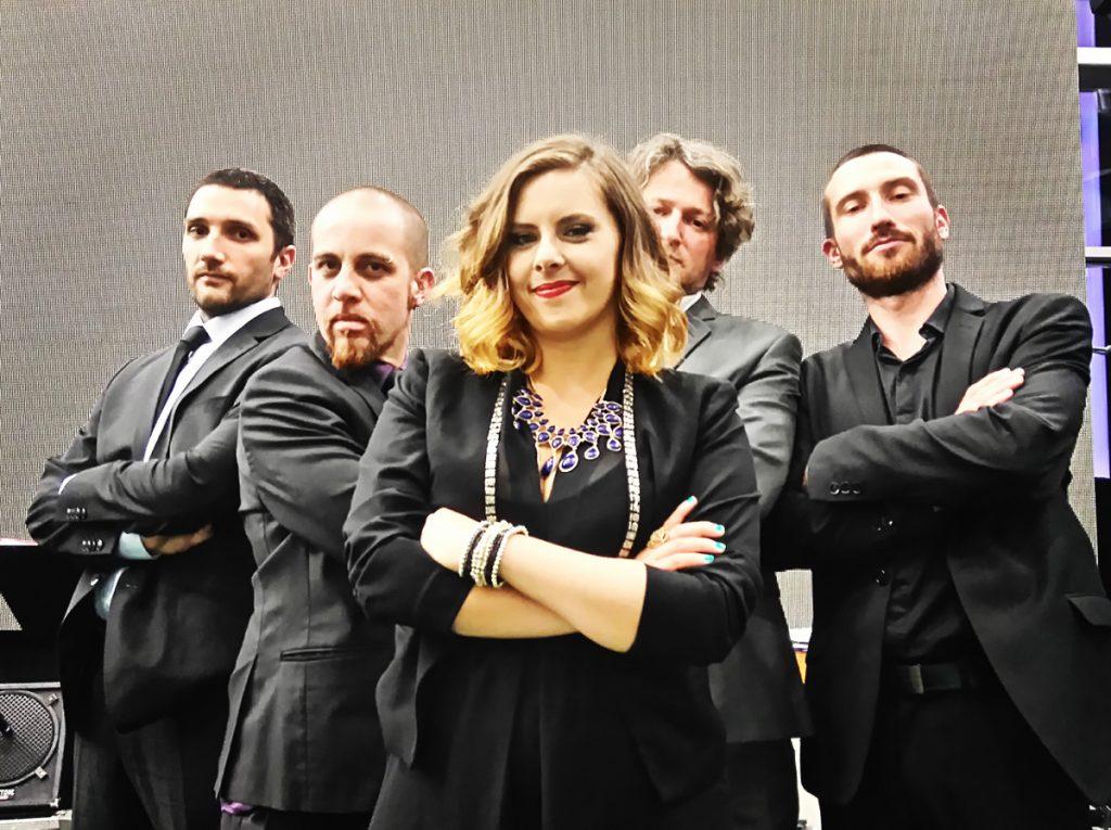 Chanteuse jazz et orchestre de Circle Quintet, animation musique d'ambiance lounge et soul music au parc Olympique Lyonnais