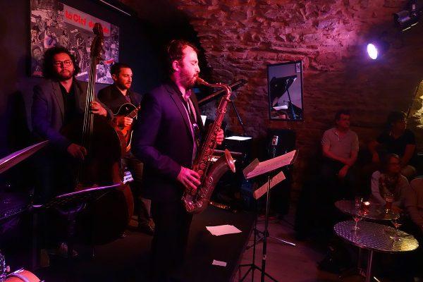 Uptown Quintet au jazz club La Clef de Voute, orchestre de jazz à Lyon, concerts et musique d'ambiance, mariage et soirée privées