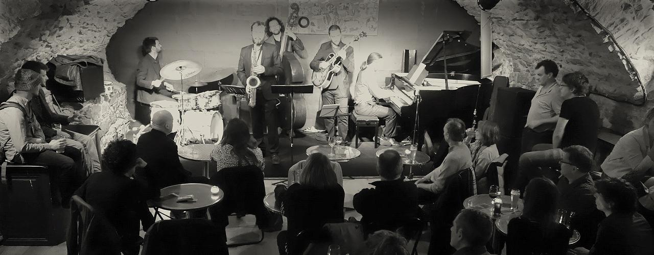 Uptown quintet club de jazz clef de voute