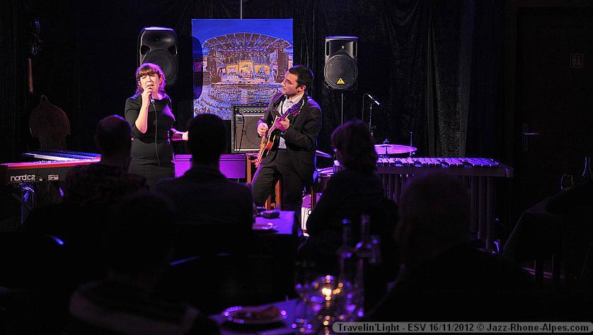 Diner Jazz à Vienne avec Travelin' Light, chanteuse jazz et guitariste à Lyon