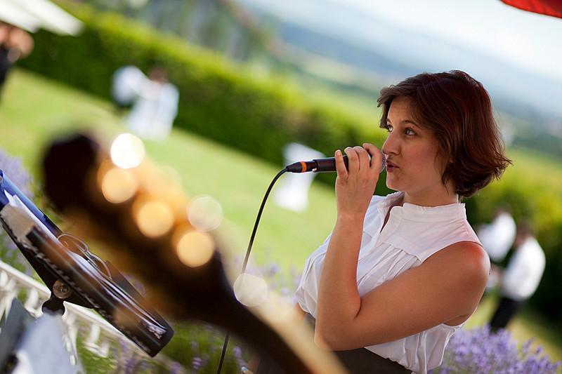 Chanteuse jazz de Circle Trio, animation jazz d'un cocktail de mariage à Genève, Suisse Romande