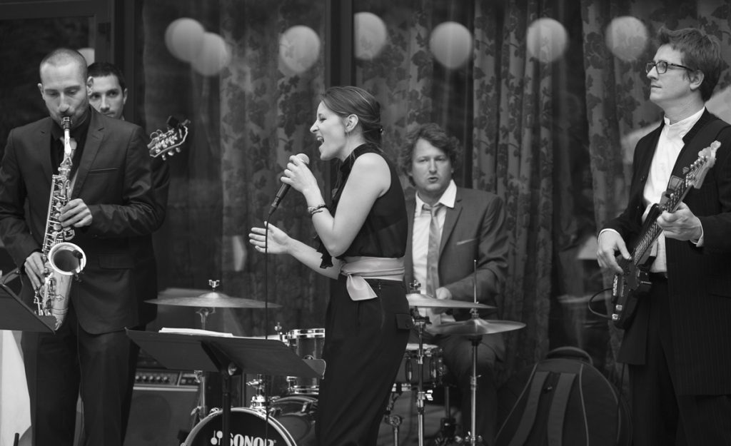 Chanteuse jazz et orchestre de musique d'ambiance à lyon, vin d'honneur d'un mariage