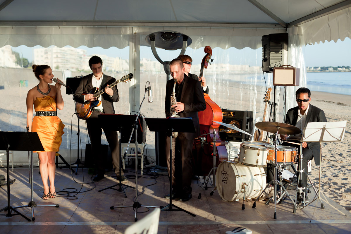 Chanteuse jazz et orchestre de musique d'ambiance, animation mariage à La Baulle, cocktail et soirée en club privé