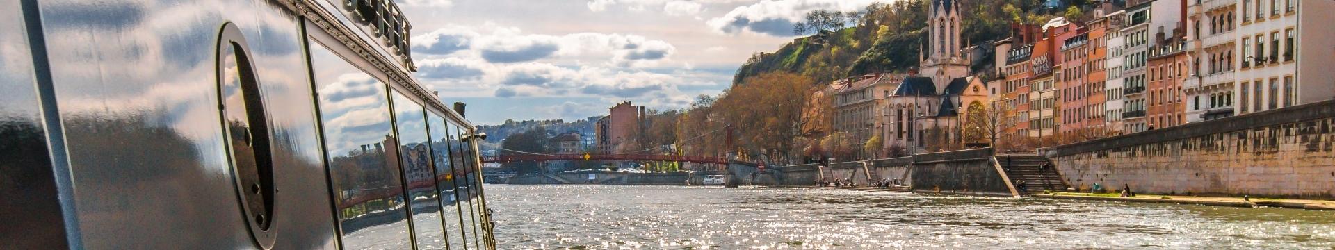 vue sur le vieux Lyon depuis le Navilys