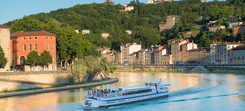 Vue magnifique sur Lyon depuis les croisières des bateaux lyonnais
