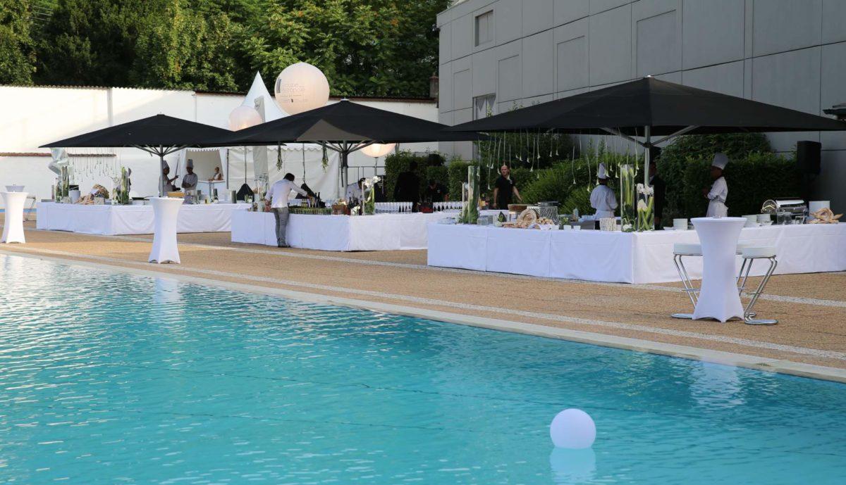 traiteur pour cocktail au bord de l'eau à l'hôtel Lyon Métropole